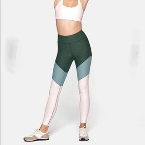 Outdoor Voices 7/8 leggings color block size XS